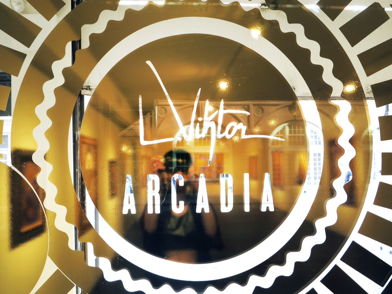 LV_ARCADIA_GLASS